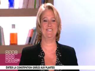 Marina Carrère d'Encausse et Michel Cymes expliquent la formation des selles.