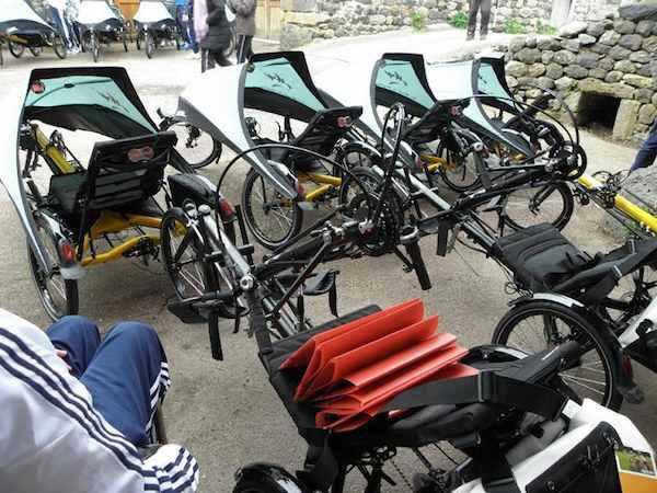 Les VRAI sont les vélos de raid adaptés et indispensables des participants.