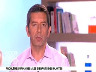 Marina Carrère d'Encausse et Michel Cymes décrivent l'appareil uro-génital.