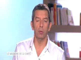Marina Carrère d'Encausse et Michel Cymes expliquent comment se forme un ulcère veineux.