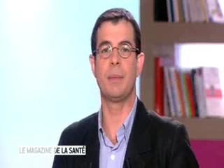 Marina Carrère d'Encausse et Benoît Thevenet expliquent l'hydrocéphalie chronique de l'adulte.