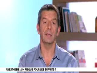 Michel Cymes et Benoît Thevenet expliquent l'anesthésie des enfants