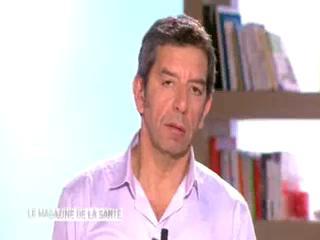 Marina Carrère d'Encausse et Michel Cymes expliquent le torticolis spasmodique.