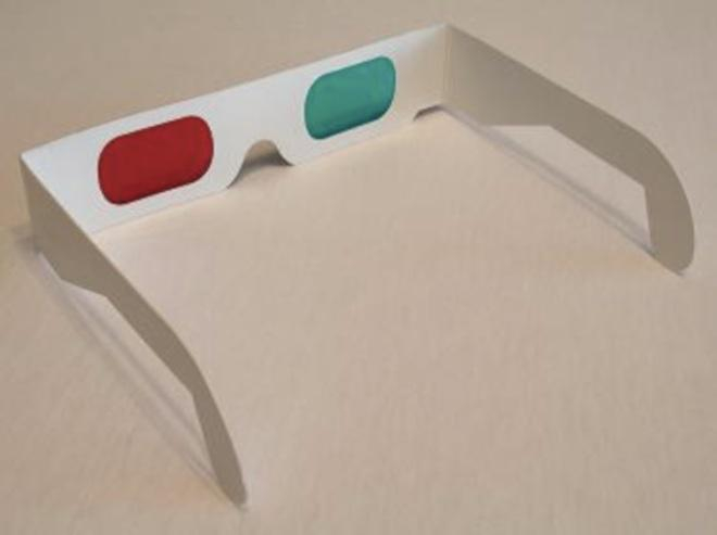 Des lunettes conçues pour observer les anaglyphes (superposition de deux vues proches, colorées différemment). (cc-by K.Bednarik)