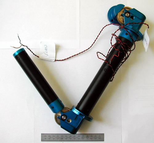 Le premier bras bionique greffé en 1993 à Campbell Aird. (DR)
