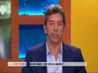 Marina Carrère d'Encausse et Michel Cymes expliquent les effets digestifs de la chimiothérapie.