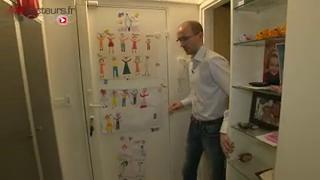 Thomas, 40 ans, témoigne des difficultés qu'il rencontre dans sa vie quotidienne.