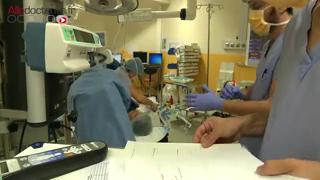 Attention images de chirurgie ! Comment se déroule l'ablation préventive des ovaires ?