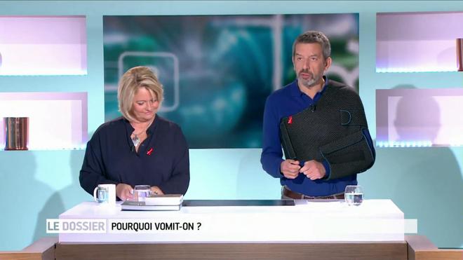Marina Carrère d'Encausse et Michel Cymes expliquent le mécanisme du vomissement