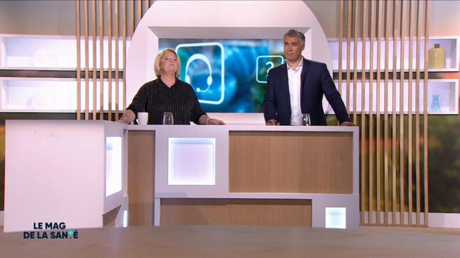 Marina Carrère d'Encausse et Régis Boxelé explique l'anatomie de la glande parotide.
