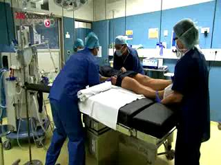 Attention, images de chirurgie ! Exérèse d'un kyste pilonidal