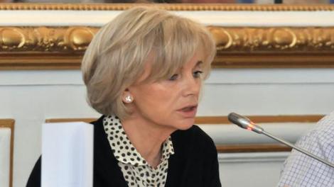 La nomination d'Elisabeth Guigou à la tête de la commission sur l'inceste inquiète les associations