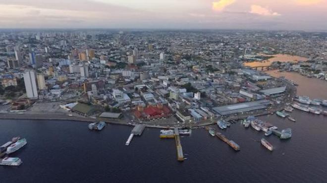Image d'illustration. La ville de Manaus, au Brésil, où le variant brésilien est à l'origine d'une très forte deuxième vague épidémique.