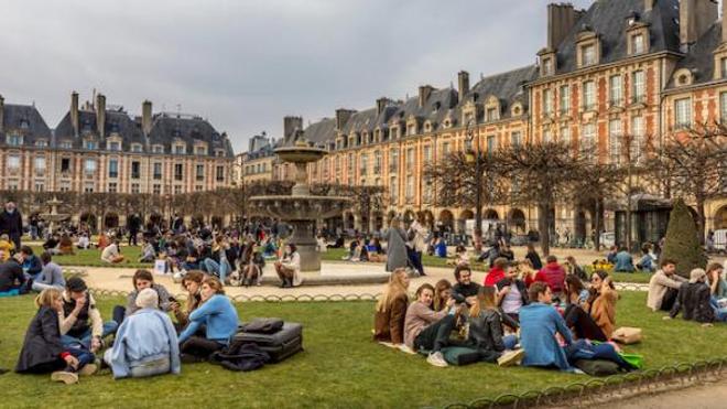 Image d'illustration. Regroupements Place des Vosges, à Paris, le 21 février 2021.