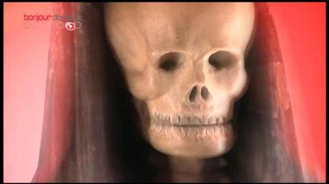 Cercueil figuratif : une personnalisation qui bouleverse les rituels funéraires