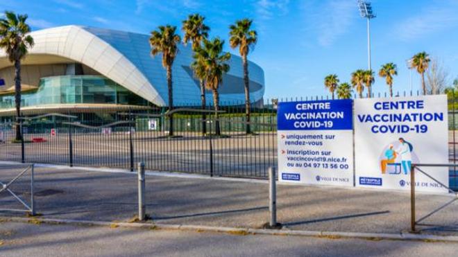 Le centre de vaccination de Nice a dû fermer ses portes ce week-end par manque d'affluence.