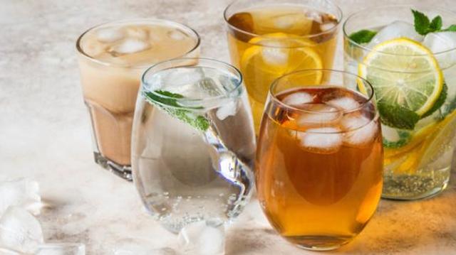Méfiez-vous des jus de fruits et thés glacés !