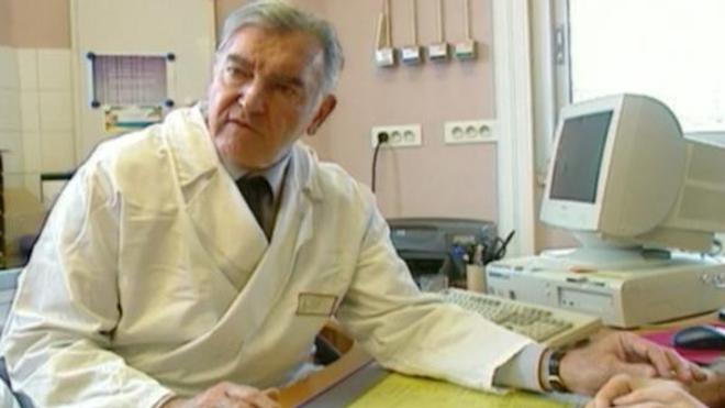 Le Pr Jean-Michel Dubernard en 2004