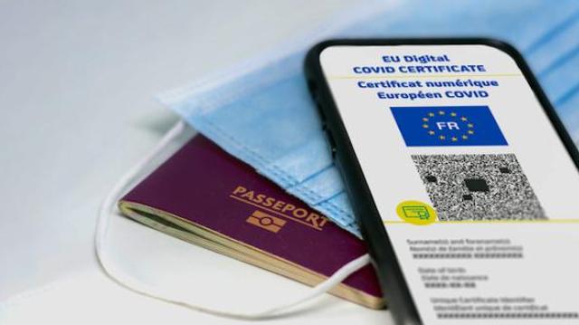 Vacances et covid : comment voyager cet été avec le pass sanitaire ?