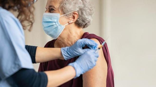 Vaccin anti-covid : en Israël, jamais deux sans trois ?