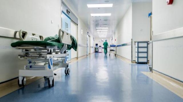 """Les médecins disent oui au pass sanitaire, mais non """"à la restriction d'accès aux soins"""" à l'hôpital"""
