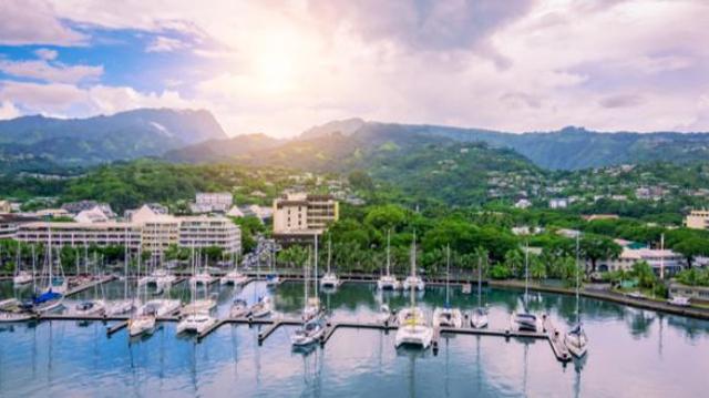 Covid : face à la flambée des cas, la Polynésie instaure un confinement le week-end