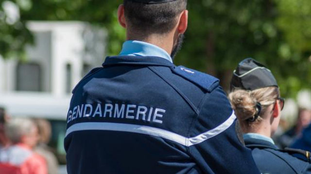 Covid : obligation vaccinale pour les gendarmes mais pas encore pour les policiers