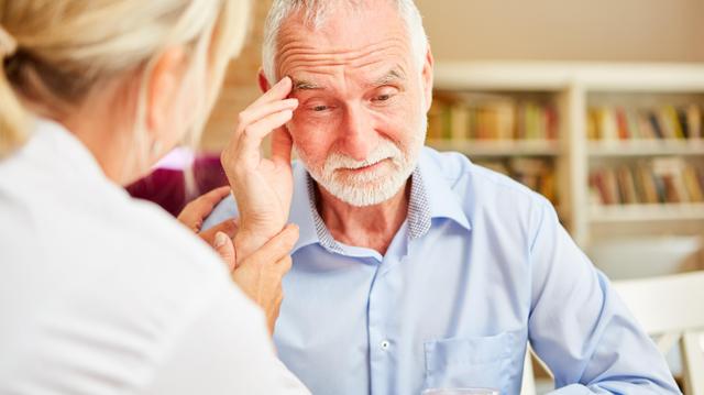 Alzheimer : quand les institutions prennent le relais