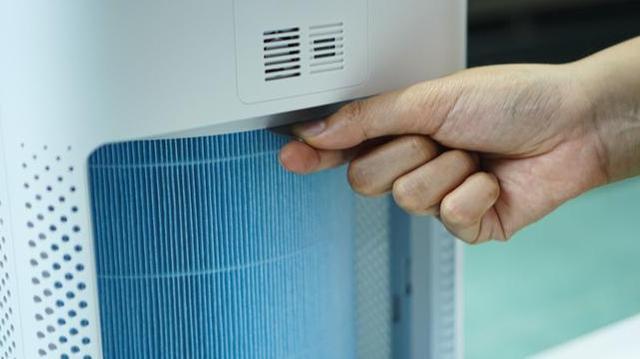 Covid : faut-il installer des purificateurs d'air dans les écoles?