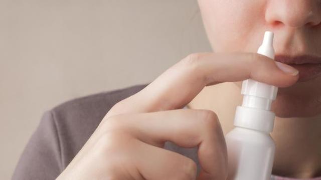 Covid : bientôt un vaccin français par spray nasal?
