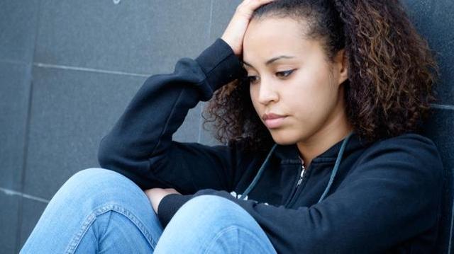 Mort de Dinah : que faire face au harcèlement scolaire ?