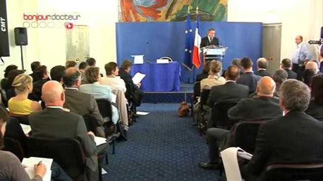 Xavier Bertrand présente la réforme du médicament