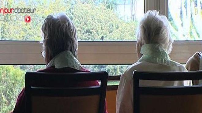 Plus de 700.000 personnes âgées vivaient en établissement spécialisé en 2015.