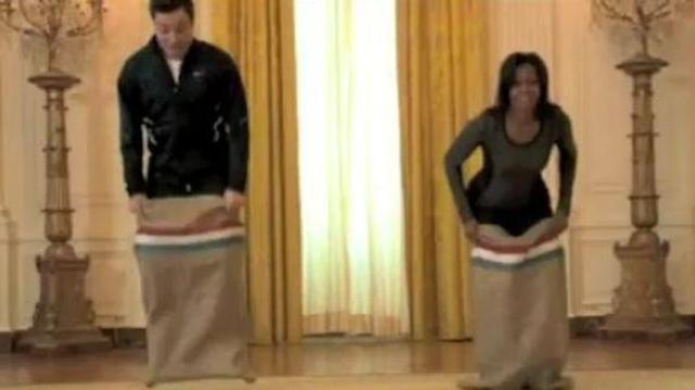 Contre l'obésité infantile : hula-hoop et course en sac avec Michelle Obama !