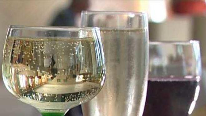 """L'Assemblée vote une taxe pour les """"premix"""" à base de vin"""