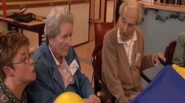 Alzheimer : les femmes génétiquement plus exposées