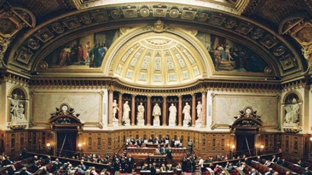 Les mutuelles étudiantes épinglées par le Sénat