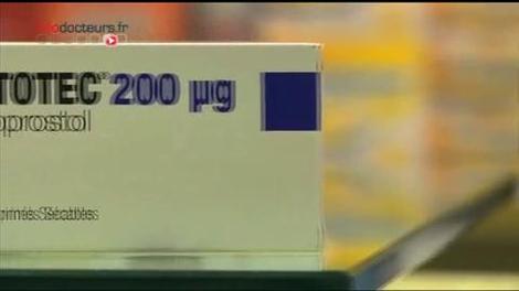 Accouchement : un médicament fait polémique