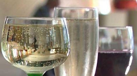 L'alcool tue ! Et fait 49.000 décès en France en 2009 !