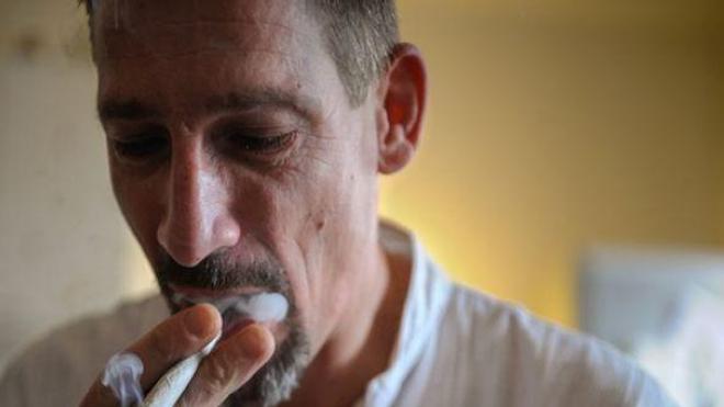 Cannabis thérapeutique : Dominique Loumachi, un myopathe condamné