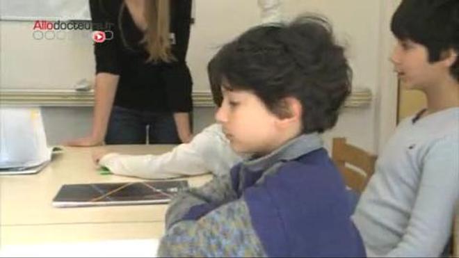 Des ateliers de socialisation sont organisés pour les enfants autistes.