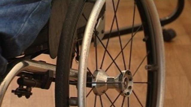 Quarante-trois ans en fauteuil roulant… pour rien!